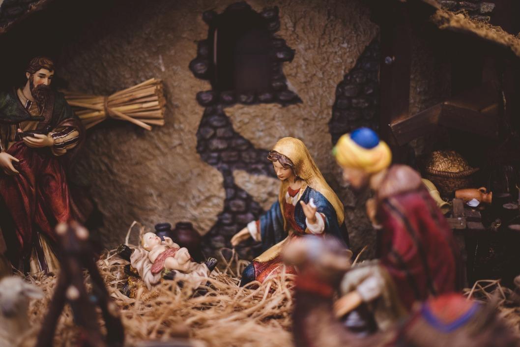 Католическое Рождество: история, традиции и праздничные атрибуты