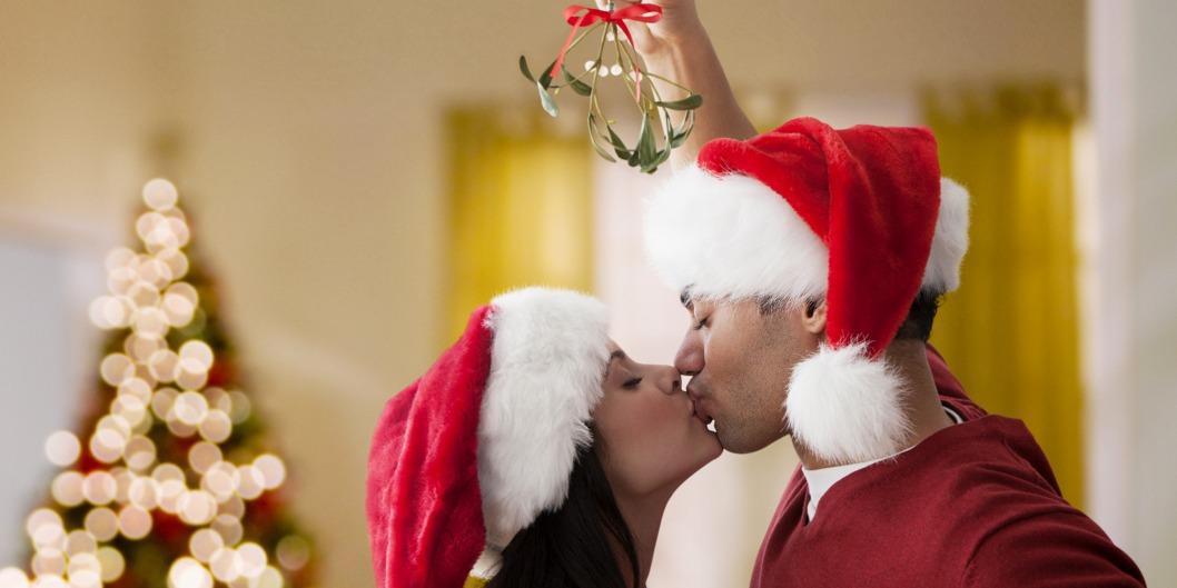 kiss mistletoe today main 181213 141dfb3a953cecc921b38af57143b4a8