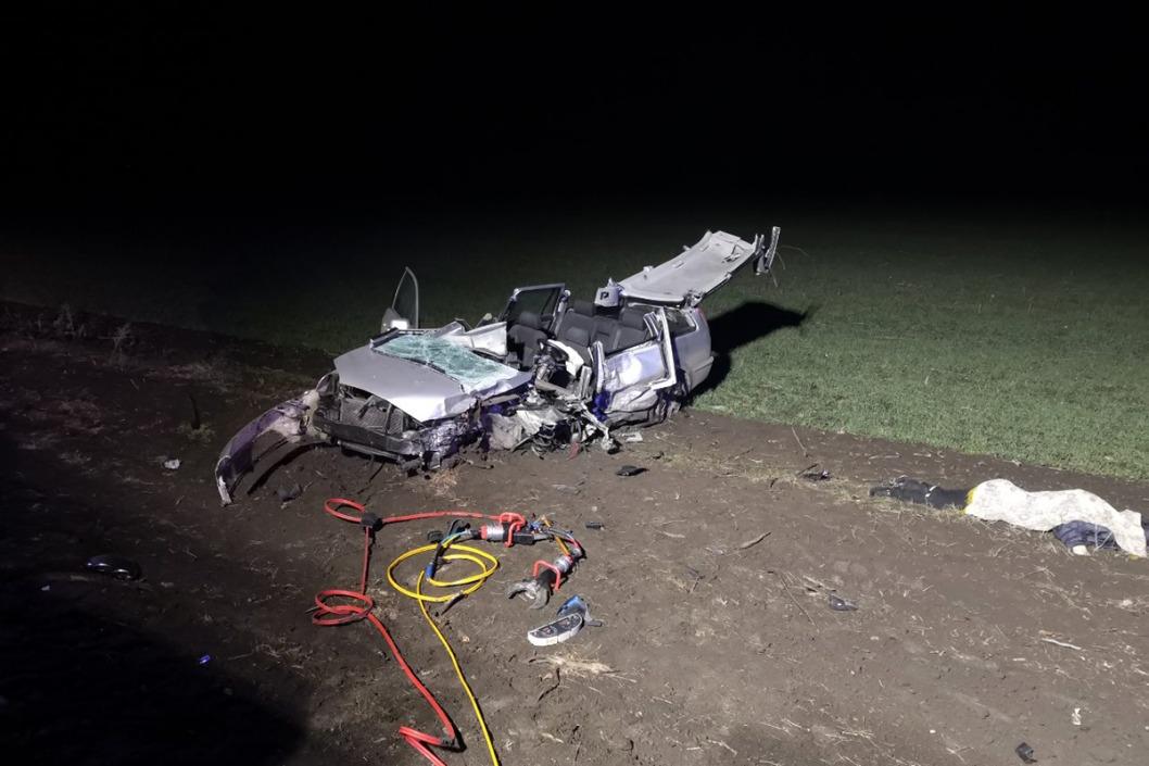 ДТП под Днепром: мертвого водителя автомобиля Ford вырезали из машины