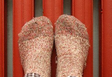 Оказалась в ловушке: в Днепре 10-летняя девочка застряла ногой в батарее