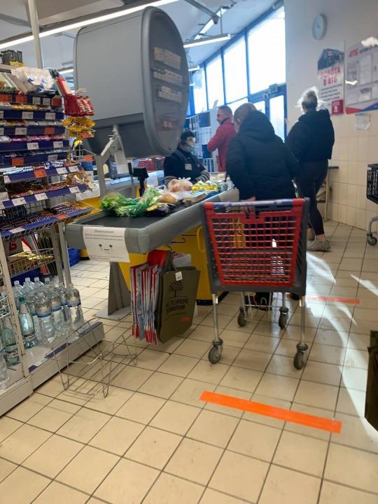 Только на украинском: соблюдают ли новый закон в магазинах Днепра