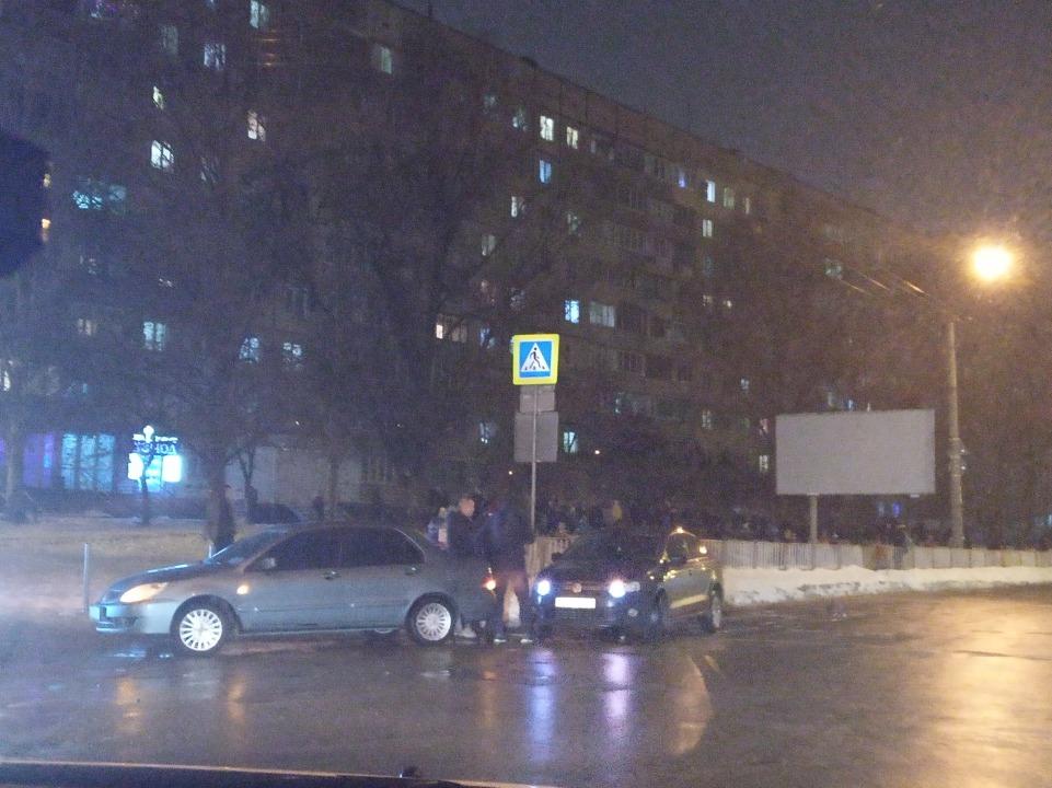 ДТП на Победе: на проспекте Героев образовалась пробка