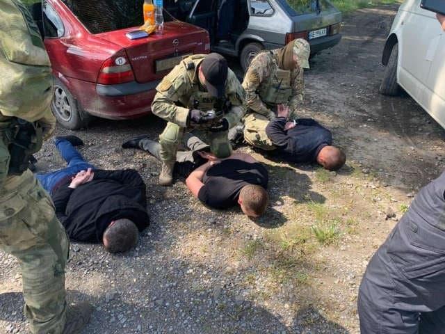 Принуждали торговать наркотиками: в Павлограде будут судить преступную группу полицейских