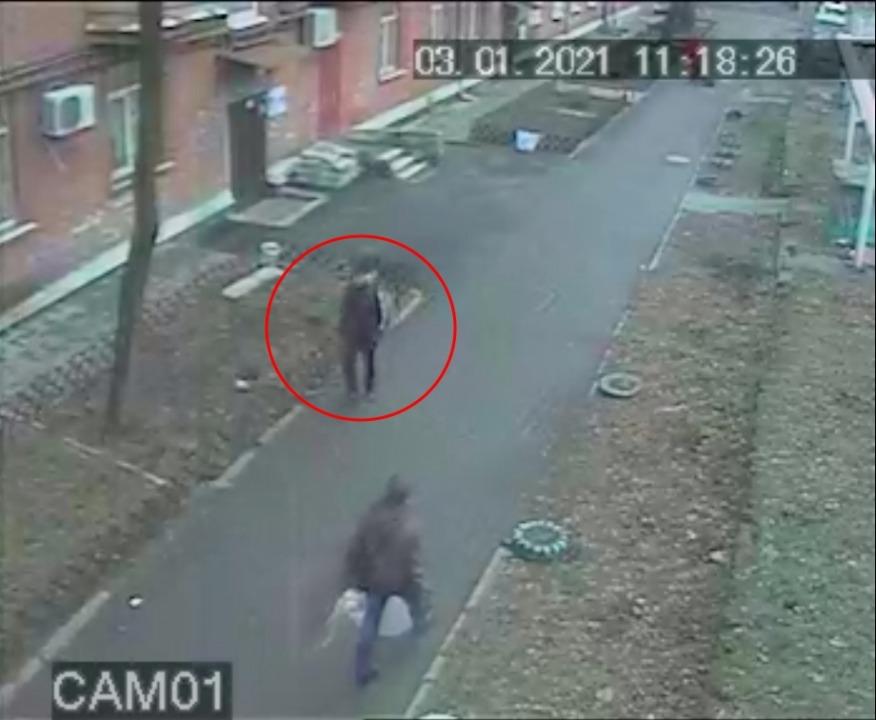Прикинулся пьяным: в Днепре на 12-м квартале заметили квартирного вора