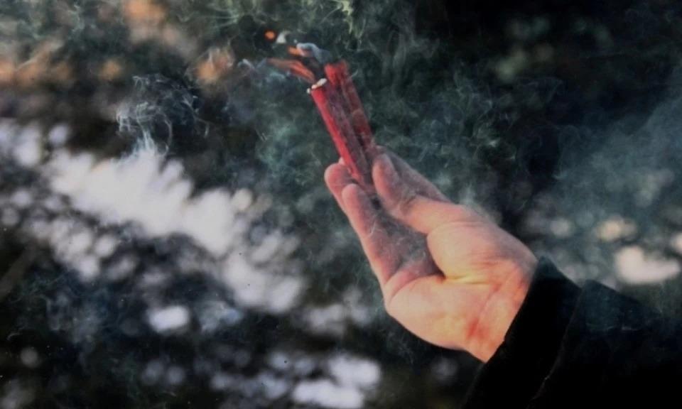 В Павлограде расправились с мужчиной, взорвав петарду у него во рту (ФОТО 18+)