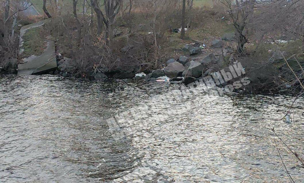 В Днепре женщина спрыгнула с Южного моста (ФОТО 18+)