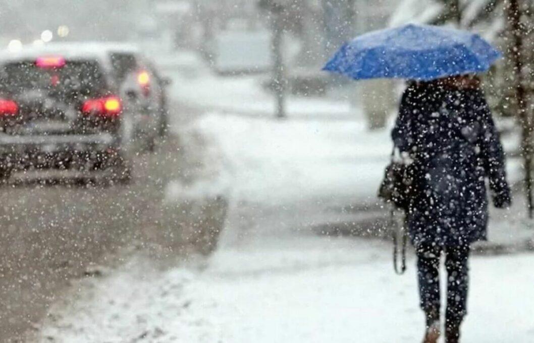На Днепр надвигается снежный циклон: когда ожидать похолодания
