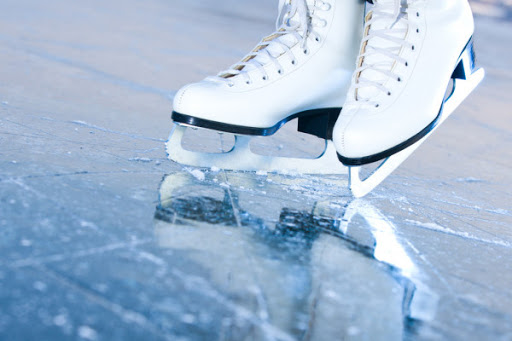 В Днепре мужчина умер, катаясь на коньках