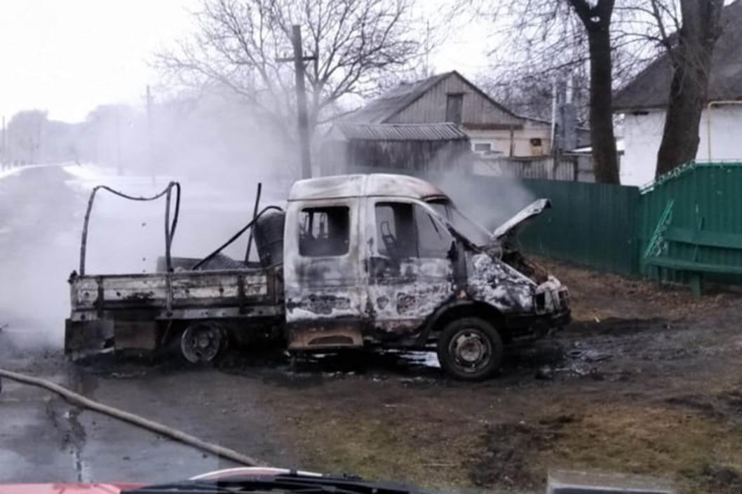 Sgorevshij gruzovik v Novomoskovskom rajone 1