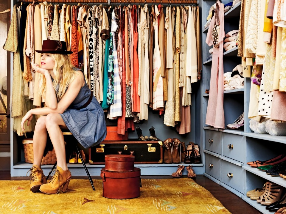top 10 wardrobe essentials for women0