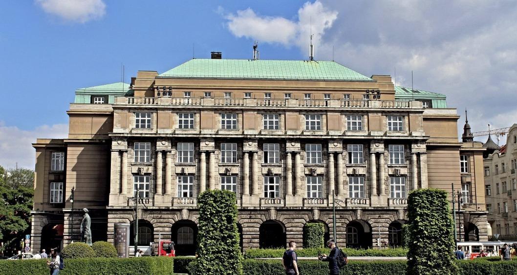 Karlov universitet