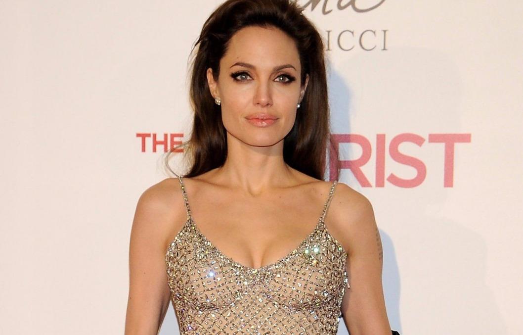 4 июня 1975 рода родилась американская актриса, фотомодель, обладательница «Оскара» и трёх «Золотых глобусов» Анджелина Джоли