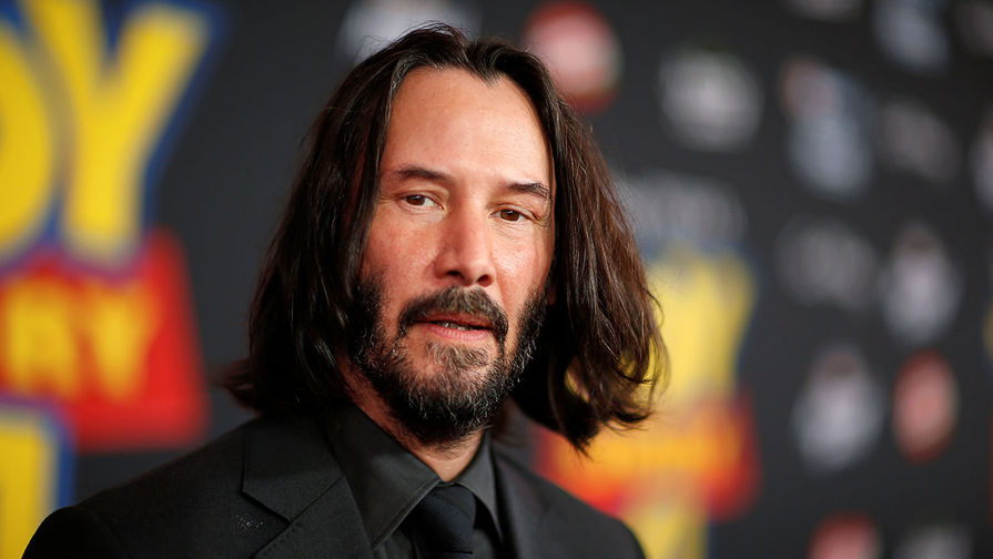 2 сентября 1964 года родился канадский актёр, кинорежиссёр, продюсер и музыкант (бас-гитарист) Киану Ривз