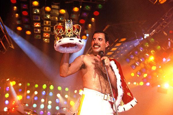 5 сентября 1946 года родился британский певец, автор песен, лидер рок-группы «Queen» Фредди Меркьюри